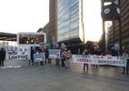 Grupo protesta em Berlim na exibição de filme sobre impeachment de Dilma - Bruno Ghetti/UOL