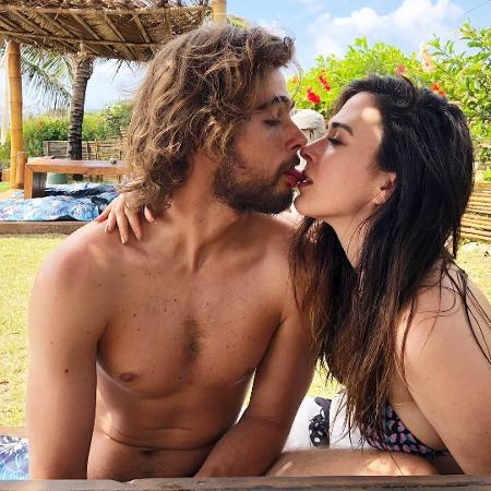 Rafael Vitti sensualiza com a namorada, Tatá Werneck - Reprodução/Instagram/rafaavitti