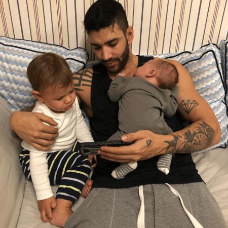 Gusttavo Lima com Samuel e Gabriel, seus filhos com Andressa Suita - Reprodução/Instagram