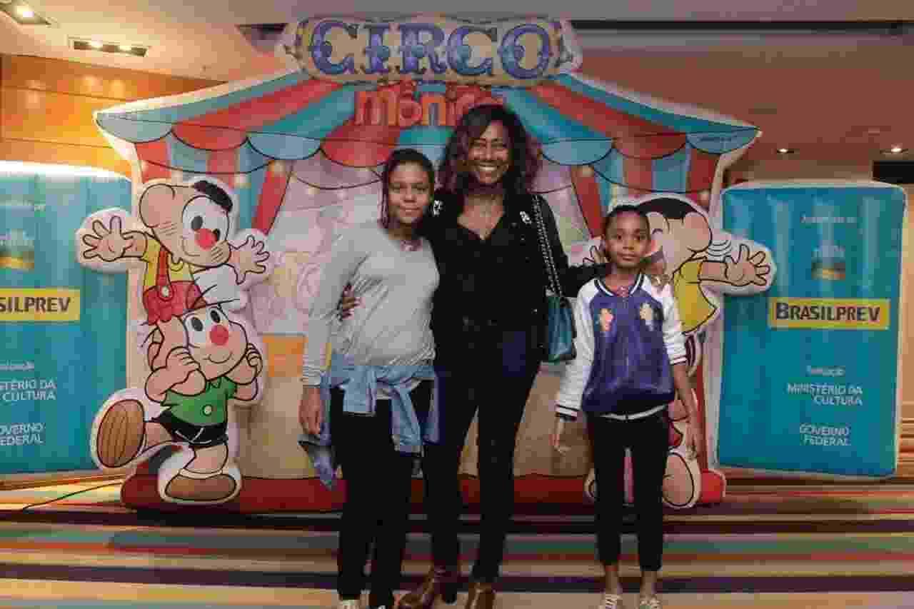 Gloria Maria prestigiou o espetáculo com as filhas Maria, de 10, e Laura, de 9 anos - Marcos Ferreira/CS Eventos RT Fotografia