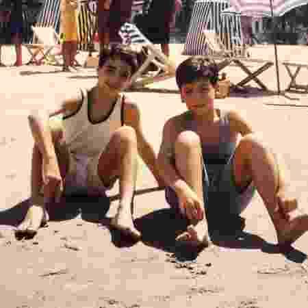 """Caio Blat e Wagner Santisteban durante gravação de """"Éramos Seis"""", novela produzida pelo SBT em 1994 - Reprodução/Instagram/wagsantisteban"""