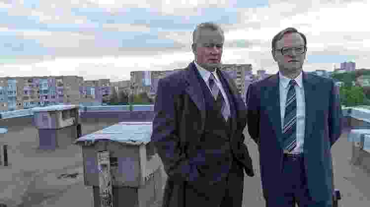 "Jared Harris e Stellan Skarsgård em cena de ""Chernobyl"" - Reprodução"
