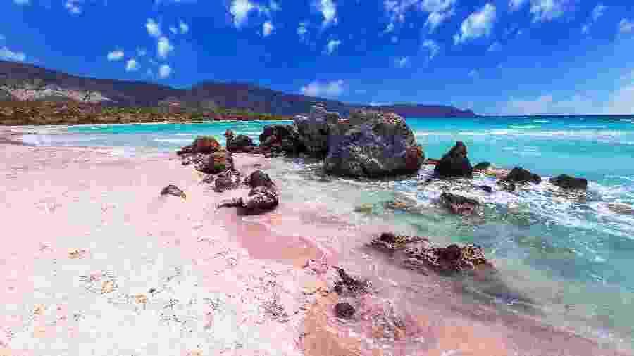 Paisagem da praia de Elafonisi, na Grécia - iStock