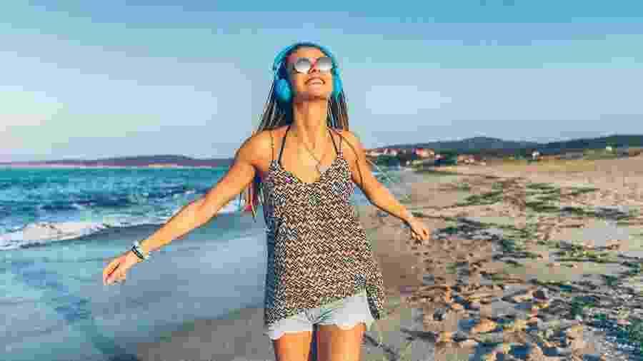 Mesmo atingindo regiões específicas, a música tem poder de acionar cérebro como um todo - iStock