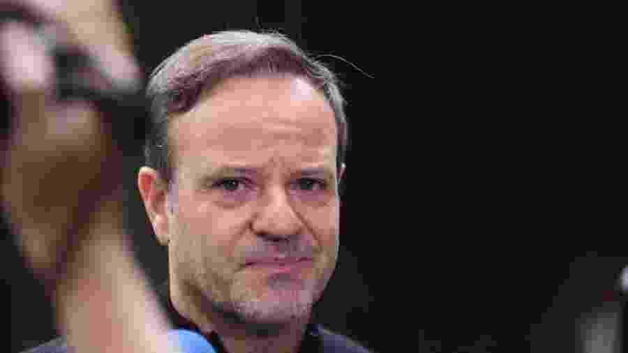 Rubens Barrichello no velório de Tuka Rocha - Leo Franco/AgNews
