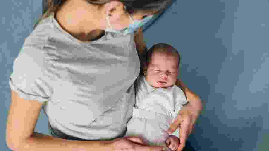 """Mulher da """"Rede Paulistana"""" tem direito a voucher para saída da maternidade com o app 99 - VioletaStoimenova/Getty Images"""