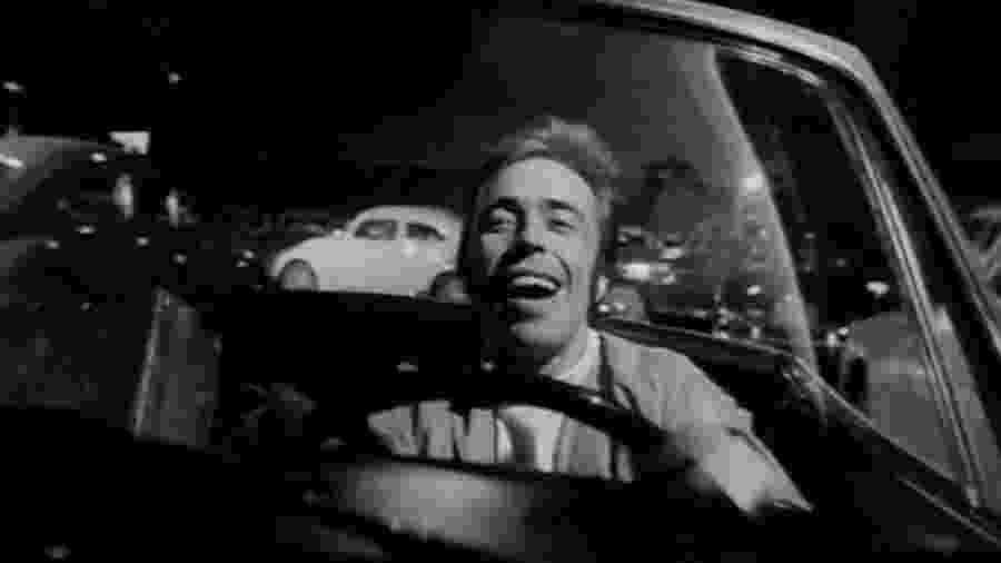 """Cena do longa """"O Bandido da Luz Vermelha"""", estrelado por Paulo Villaça e dirigido por Rogério Sganzerla - Reprodução"""