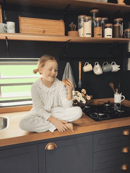 Cozinha preta ganha destaque no apê - Arquivo Pessoal - Arquivo Pessoal