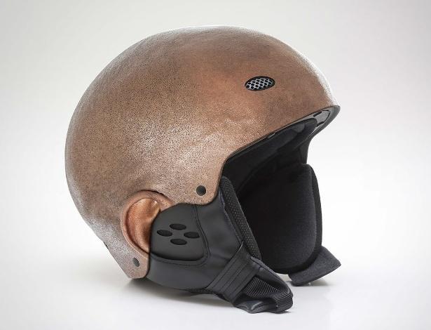 Jyo John Mulloor criou o conceito de capacetes com a aparência de cabeças raspadas - Divulgação/Jyo John Mulloor