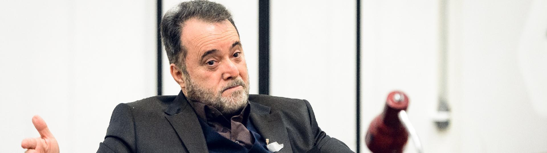 Tony Ramos grava as primeiras cenas como Abel Zebul, protagonista da série