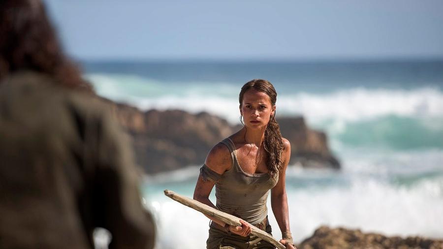 """Alicia Vikander em cena de """"Tomb Raider"""" - Reprodução"""