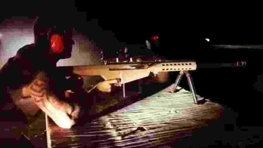Gusttavo Lima posta vídeo atirando com fuzil e com mensagem em apoio a Bolsonaro - Reprodução