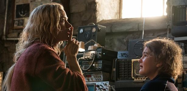 """Emily Blunt e a novata Millicent Simmonds em cena de """"Um Lugar Silencioso"""""""