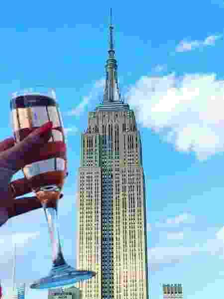 Veja o Empire State lá do alto - Reprodução/Facebook