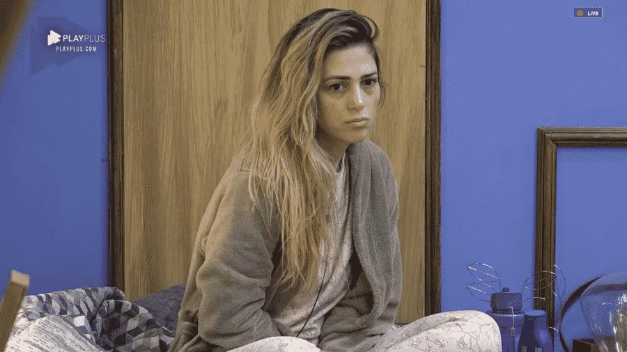 Nadja Pessoa conversa com Fernanda Lacerda e Rafael Ilha no quarto - Reprodução/PlayPlus