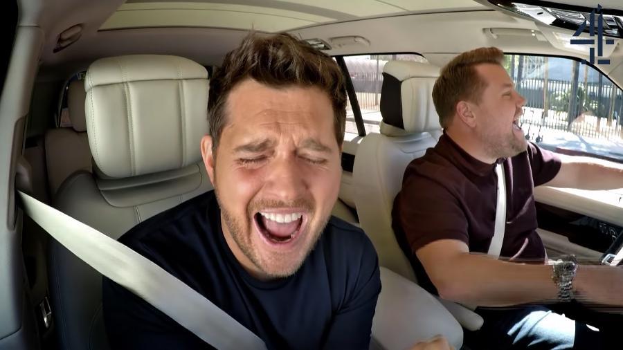 """Michael Bublé participa do """"Carpool Karaoke"""" de James Corden - Reprodução"""