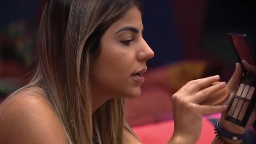 Hariany e Paula conversam no quarto Diamante - Reprodução/GloboPlay