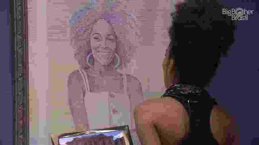Gabriela elogia a decoração do quarto do líder - Reprodução/Globoplay