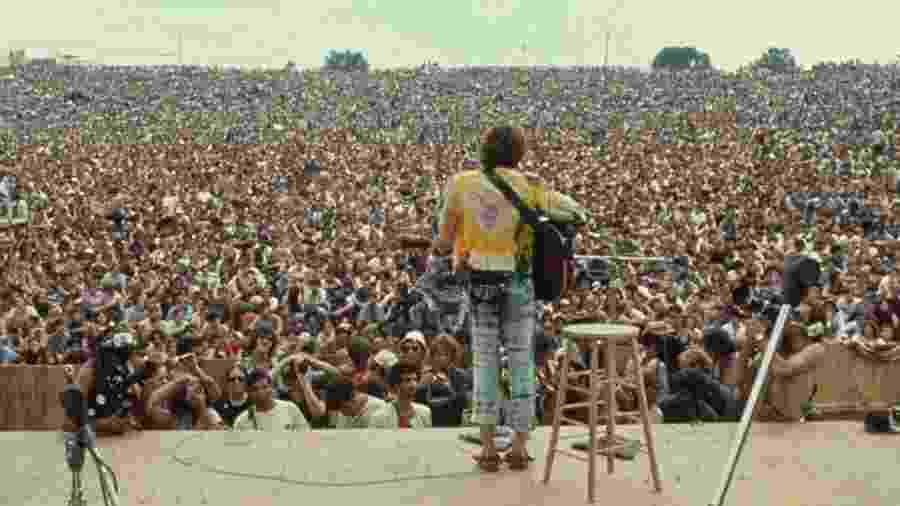 O cantor John Sebastian se apresenta no segundo dia de shows em Woodstock - Woodstock.com