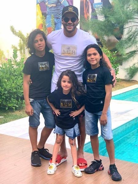 Hulk passou o Natal com os filhos Ian, Thiago e Alice - Reprodução/Instagram