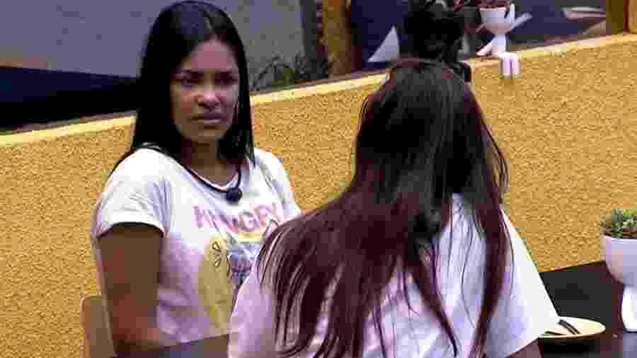 Flayslane fala com Mari sobre comportamento de Manu no programa - Reprodução/Globoplay