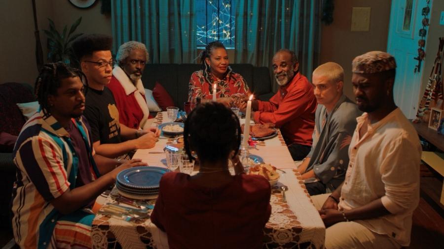"""Cena da série """"A Casa da Vó"""", estrelada por Margareth Menezes, disponível na WoloTV - Divulgação"""
