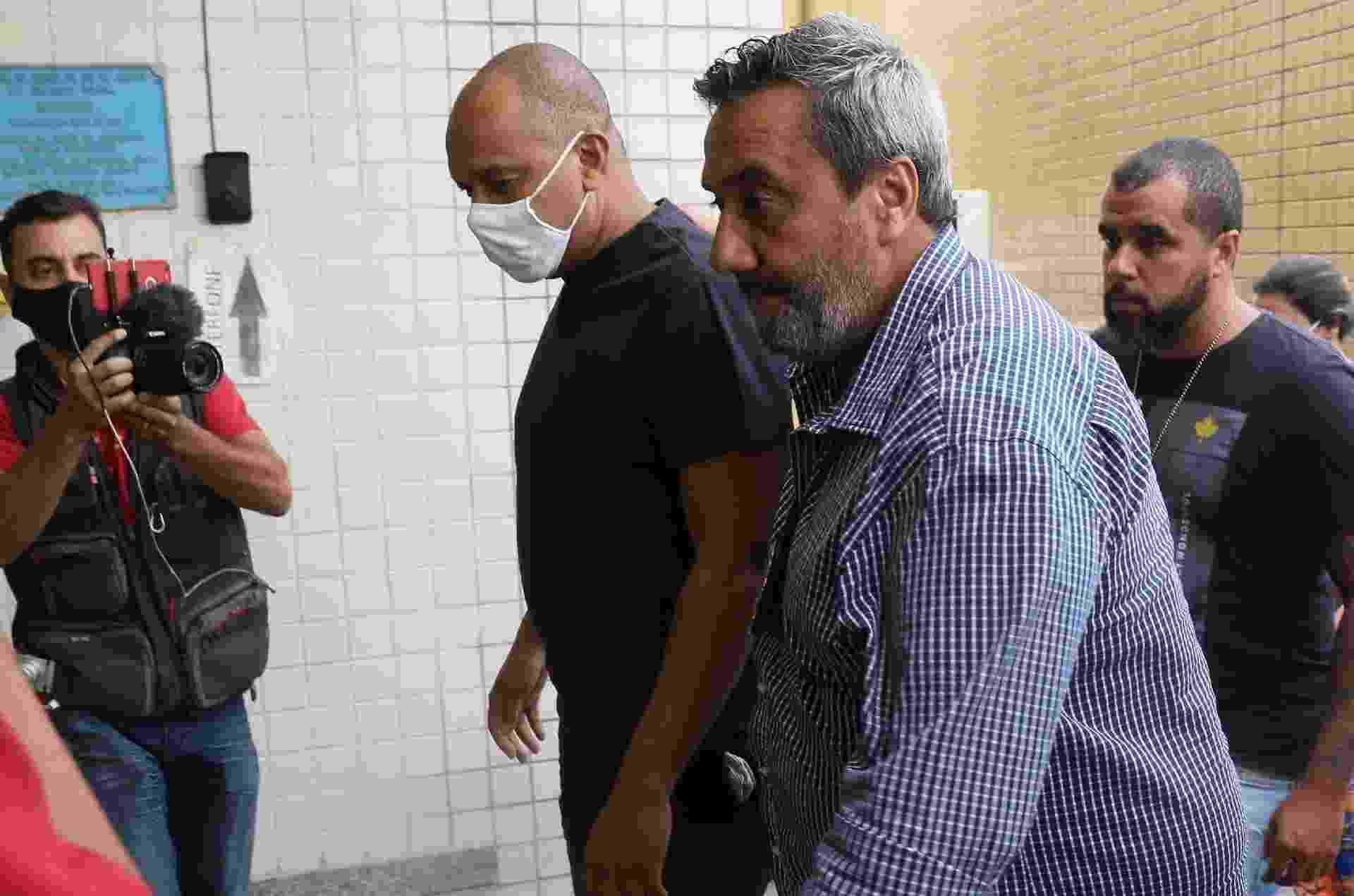 Anderson Leonardo chegando para prestar depoimento em Realengo, no Rio - Anderson Borde/AgNews