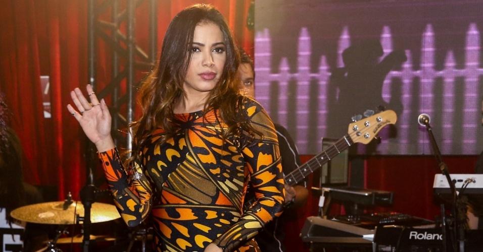 30.jun.2015 - Anitta canta seus maiores sucessos em um show no Royal Club no Itaim Bibi, zona sul de São Paulo, na noite desta terça-feira