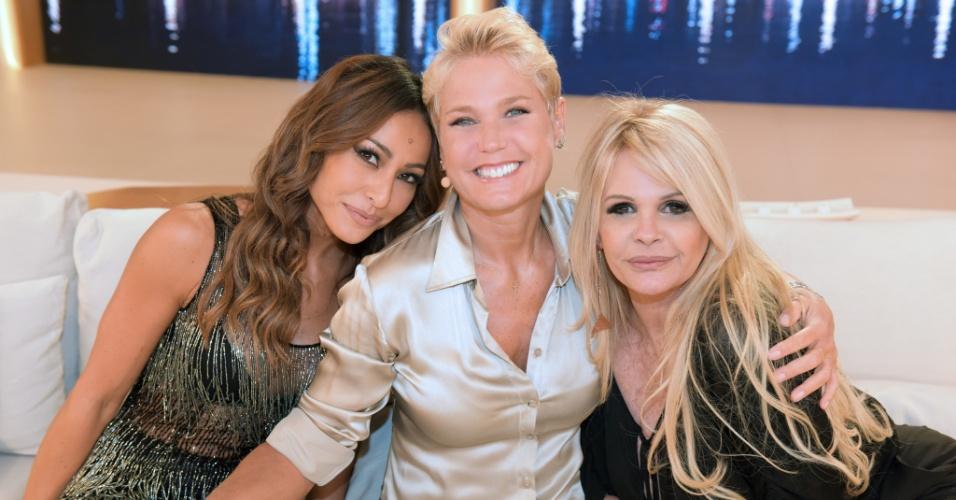 Sabrina Sato e Monique Evans participam do programa da Xuxa
