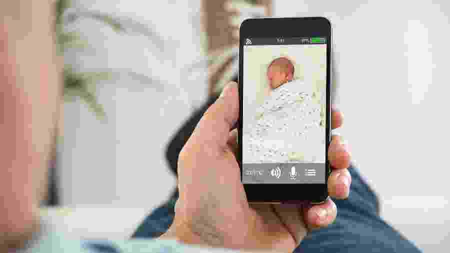 Fazer fotos e vídeo do parto é pouco: a moda é transmissão ao vivo, pela internet - Getty Images