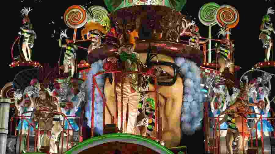 Desfile da Grande Rio no Carnaval de 2018 - Júlio César Guimarães/UOL
