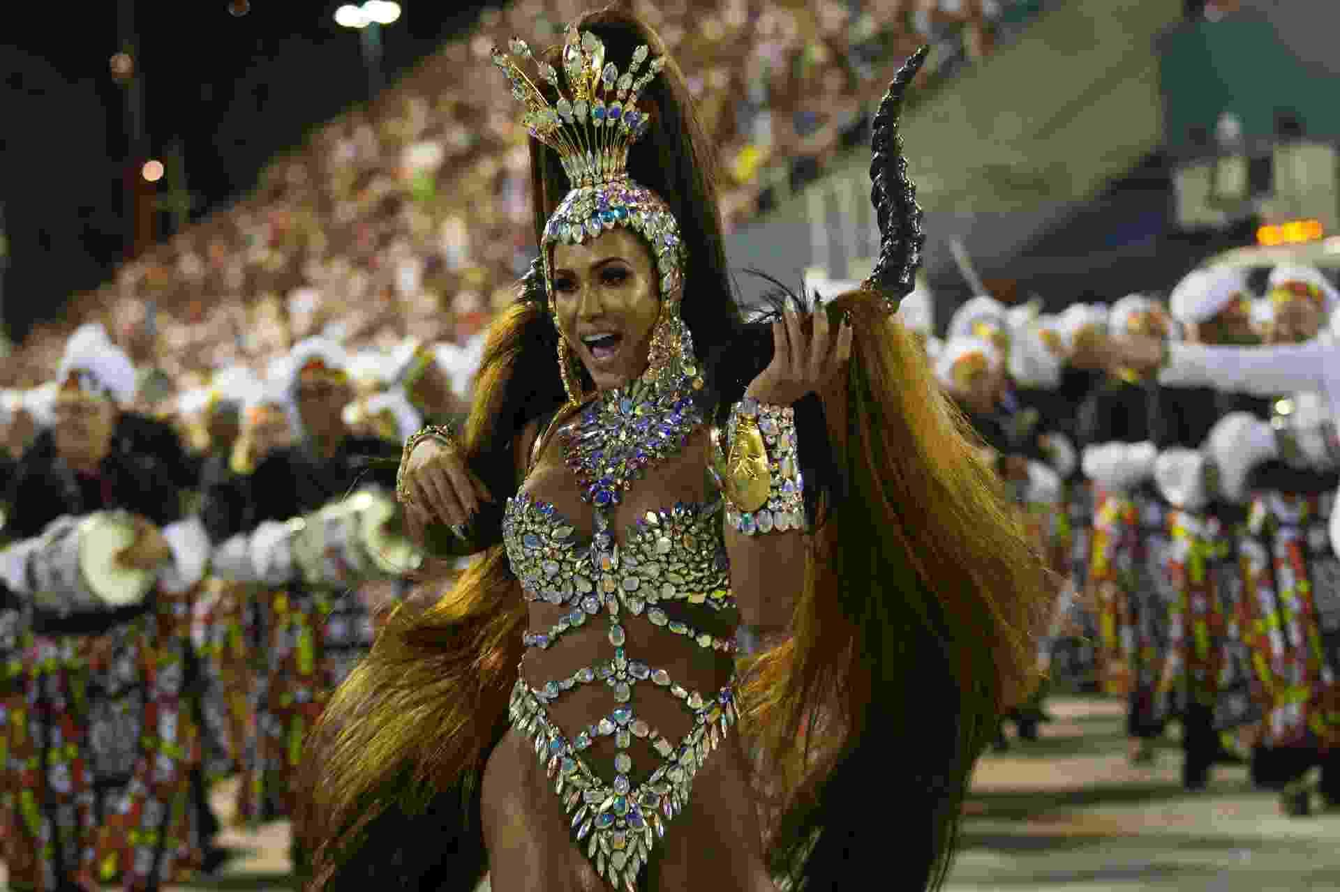 Gracyanne Barbosa é a rainha de bateria da União da Ilha - Bruna Prado/UOL