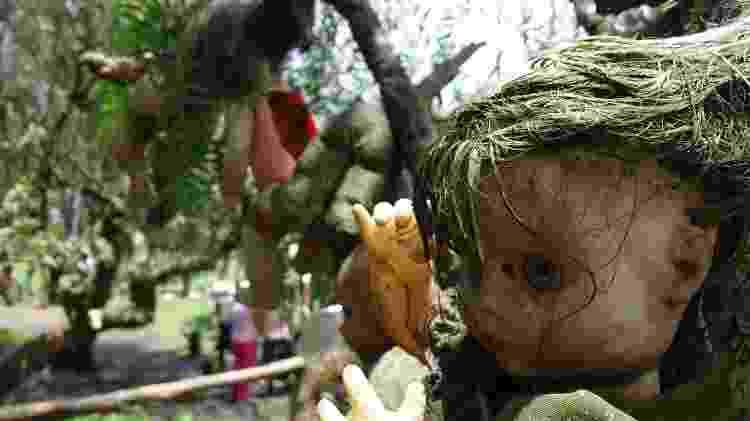 A paisagem da Ilha das Bonecas é dominada por brinquedos de aspecto sinistro - FlyingCrimsonPig/www.flickr.com/photos/97546353@N06/20047180016 - FlyingCrimsonPig/www.flickr.com/photos/97546353@N06/20047180016