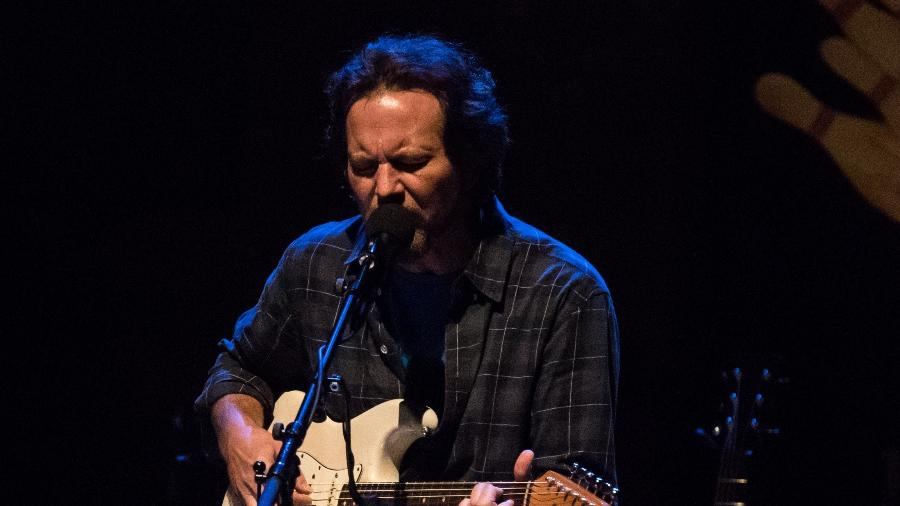 Eddie Vedder vocalista do Pearl Jam fará live de quarentena em parceria com a OMS - Simon Plestenjak/UOL