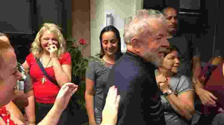 Lula cumprimenta fãs - Universa