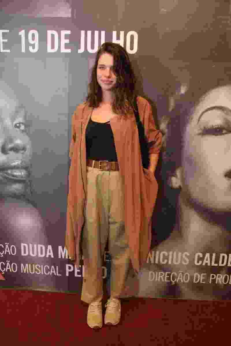 """Bruna Linzmeyer prestigia sessão especial do musical """"Elza"""", sobre a trajetória de Elza Soares, no Teatro Riachuelo, Centro do Rio  - Ag.News"""