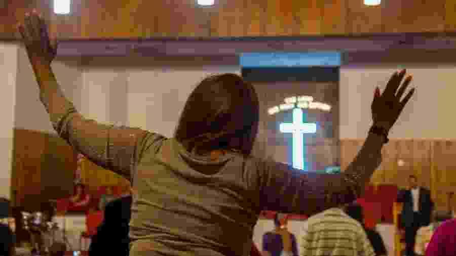 Imagem do culto na igreja batista New Bethel - Mandi Wright, Detroit Free Press