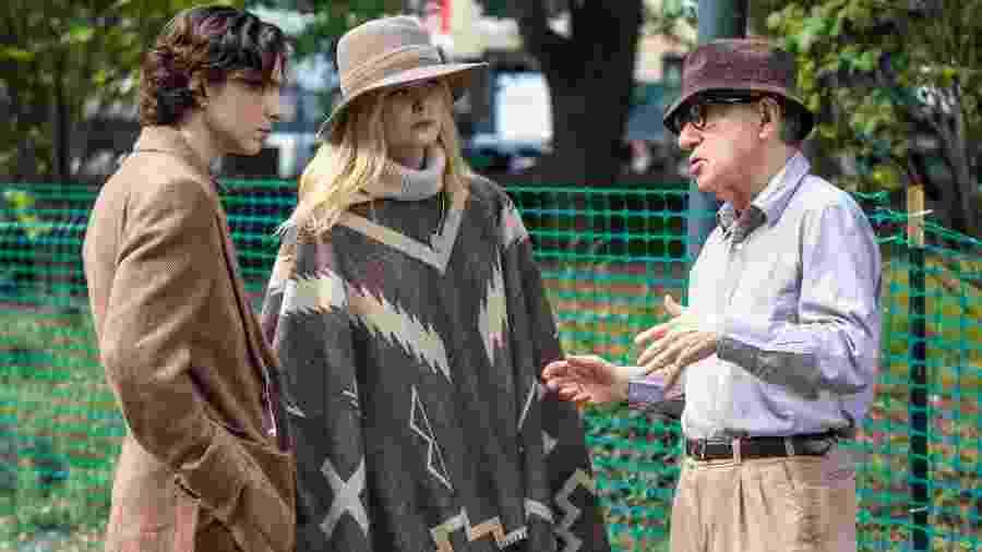 Timotheé Chalamet, Elle Fanning e Woody Allen nos bastidores de Um Dia de Chuva em Nova York - Getty Images