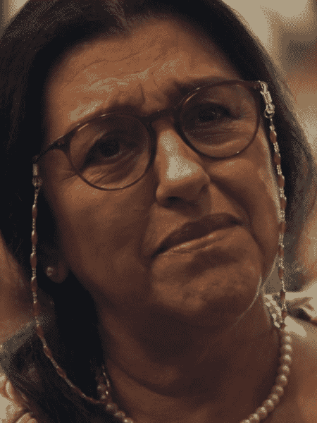 Regina Casé em cena de Amor de Mãe - Reprodução/TV Globo