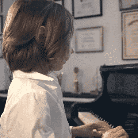 O pianista Stelios Kerasidis tem apenas sete anos de idade - Reprodução/YouTube