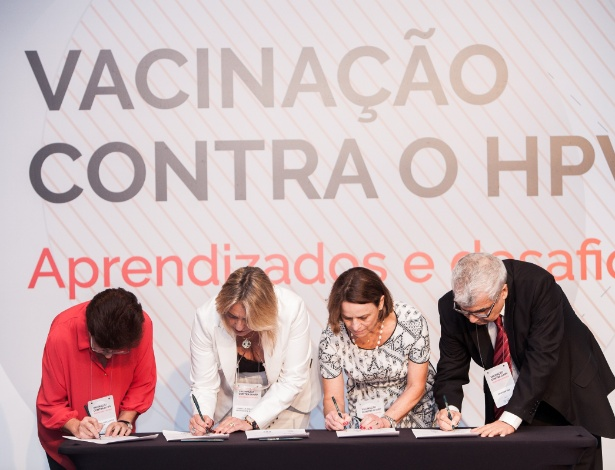 Membros das entidades assinam carta aberta durante evento em São Paulo - Marcello Vitorino/Fullpress