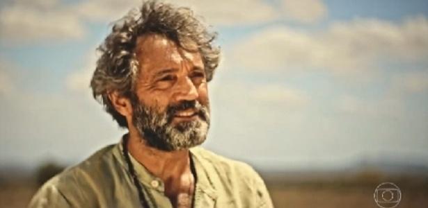 """O ator Domingos Montagner em cena de """"Velho Chico"""", antes de sua trágica morte - Reprodução/TV Globo"""