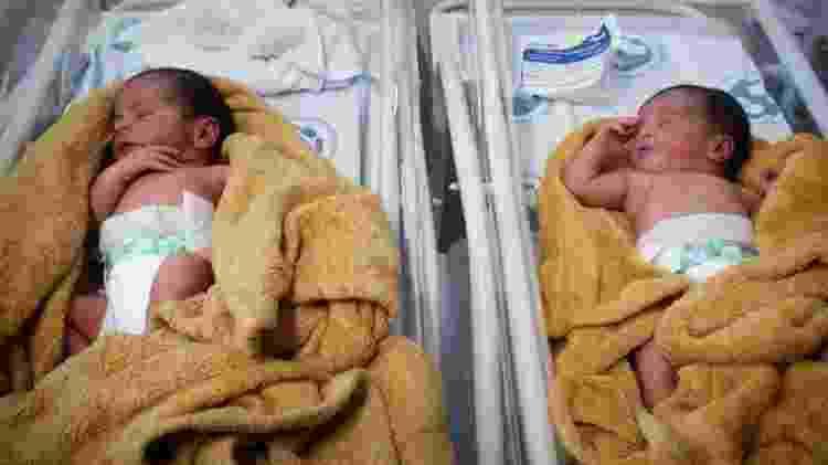 Gêmeos recém-nascidos da cantora Pepê - Reprodução/Instagram/thalyta_off - Reprodução/Instagram/thalyta_off