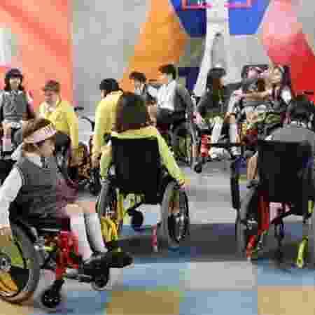 """Crianças de """"Carrossel"""" homenagearam Tom e jogaram basquete com cadeira de rodas - Divulgação/SBT - Divulgação/SBT"""