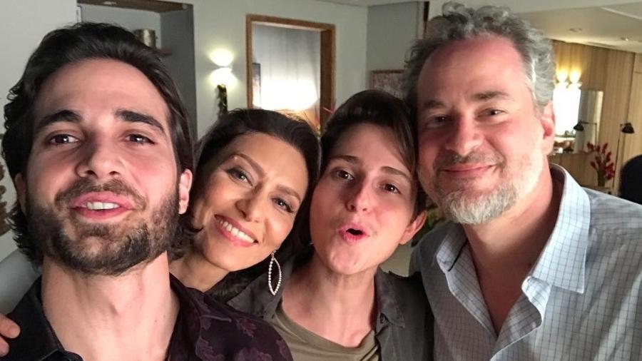 Fiuk (Ruy), Maria Fernanda Cândido (Joyce), Carol Duarte (Ivan) e Dan Stulbach (Eugênio) - Reprodução/Instagram
