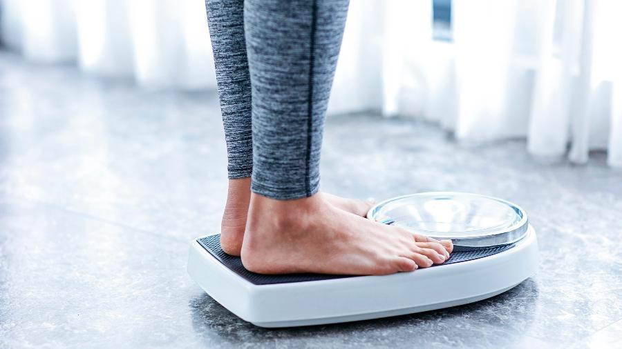 Dietas da moda até ajudam a emagrecer rapidamente, mas é difícil mantê-las por longo prazo e depois você tende a ganhar todo o peso novamente - iStock