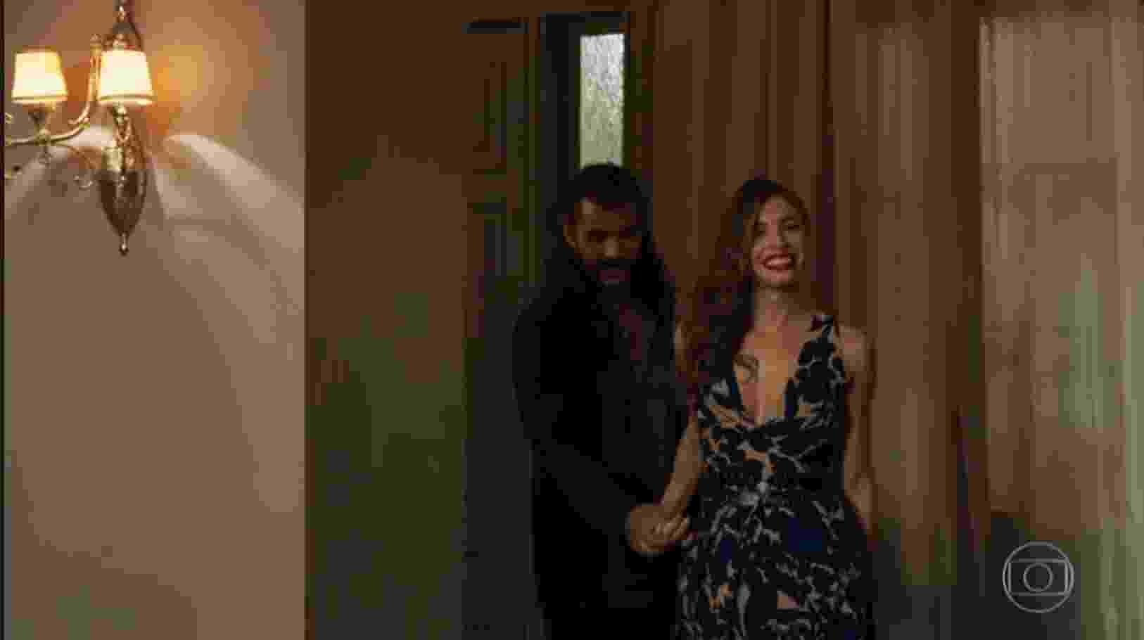 Lívia apresenta novo namorado a Sophia - Reprodução/TV Globo