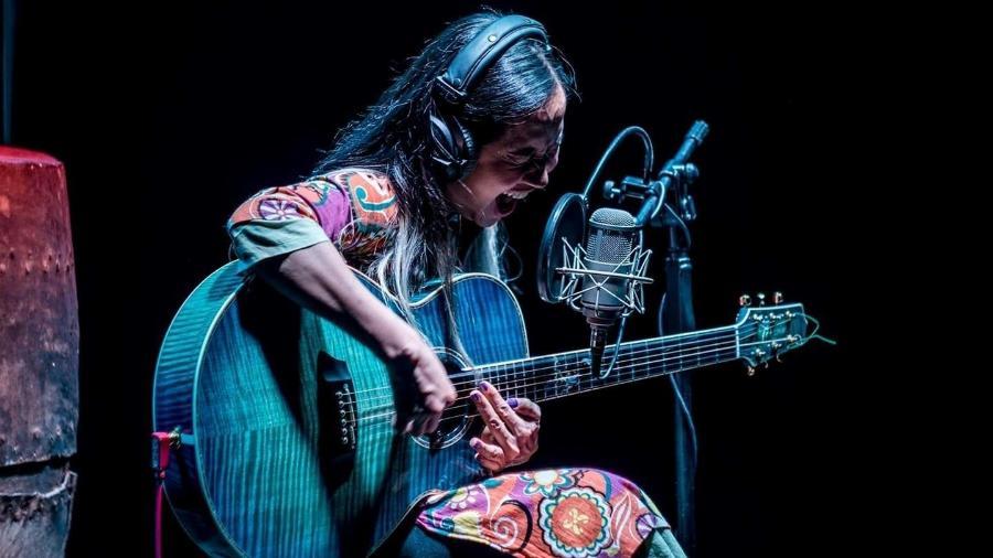 A cantora vietnamita Do Nguyen Mai Kho - Reprodução