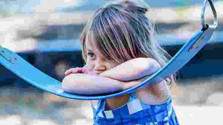 criança triste, menina, autismo - iStock - iStock