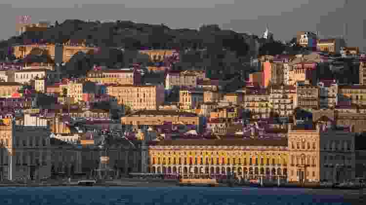 Lisboa fotografada desde Cacilhas, em Portugal - Getty Images - Getty Images